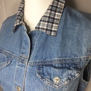 Vintage Jackets & Coats - 2/$15 Vintage Enchante Collection Crop Denim Vest